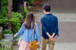 婚活後に連絡先を交換した異性をデートに誘うならいつにすべき?